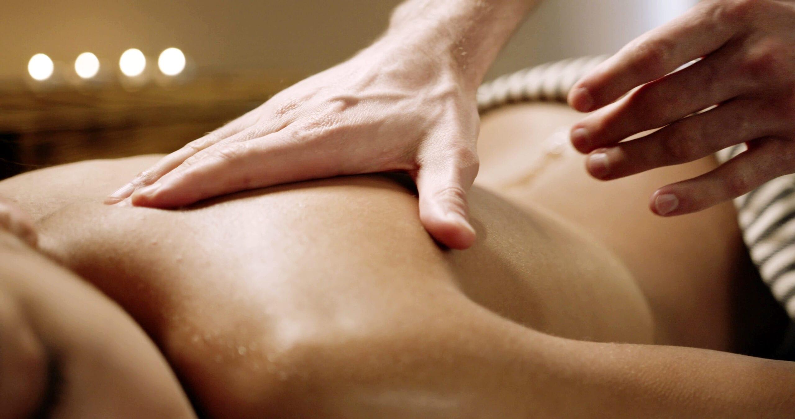 Massagegreb på ryg