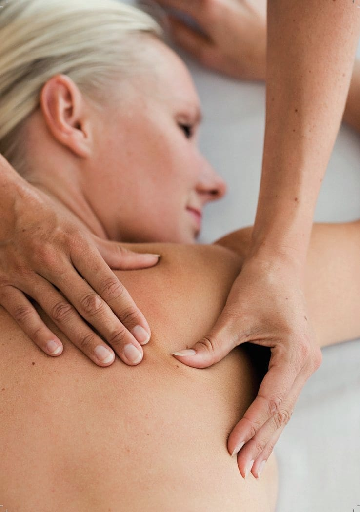 Afslappende wellnessmassage af ryggen