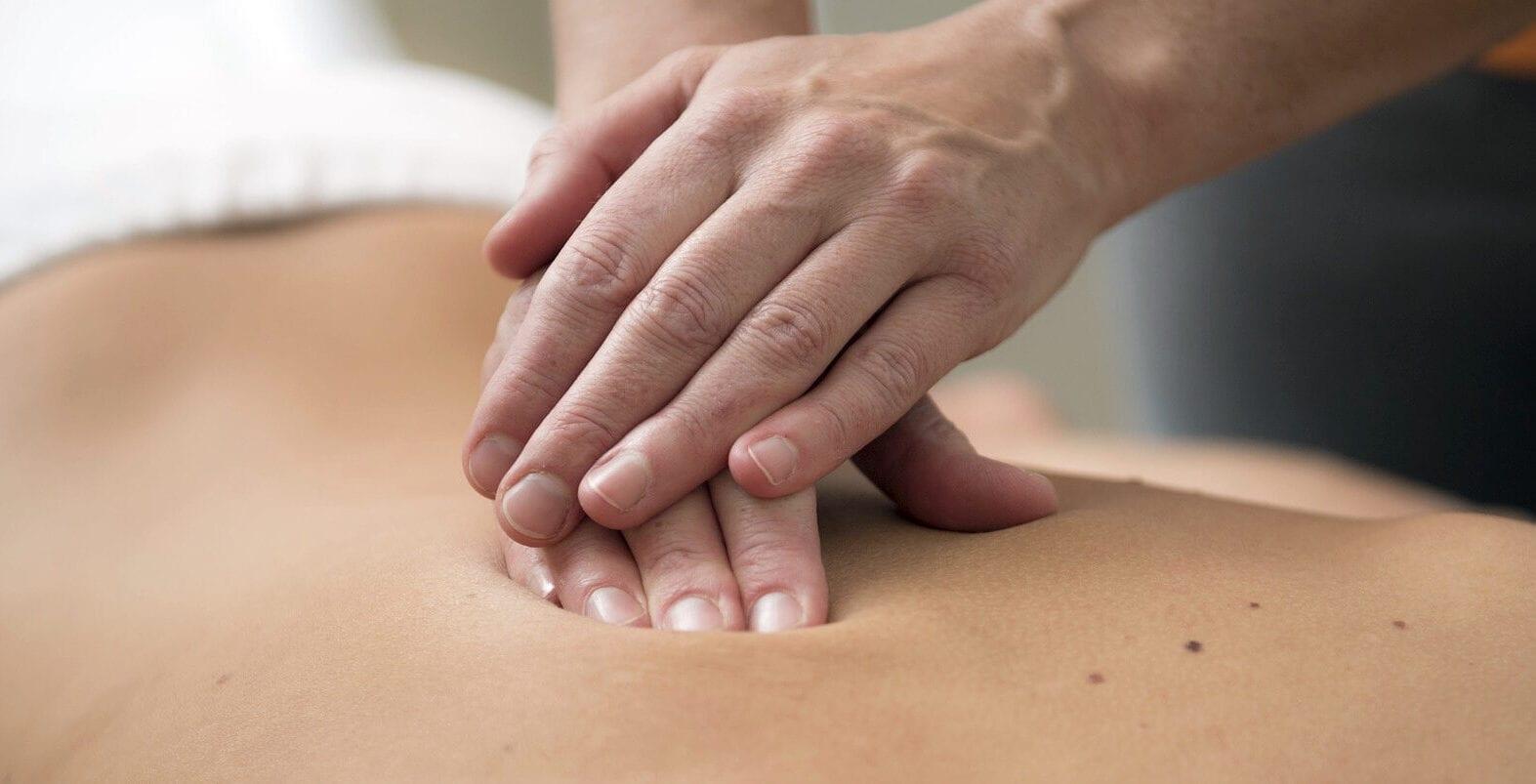 Massage på ryggen